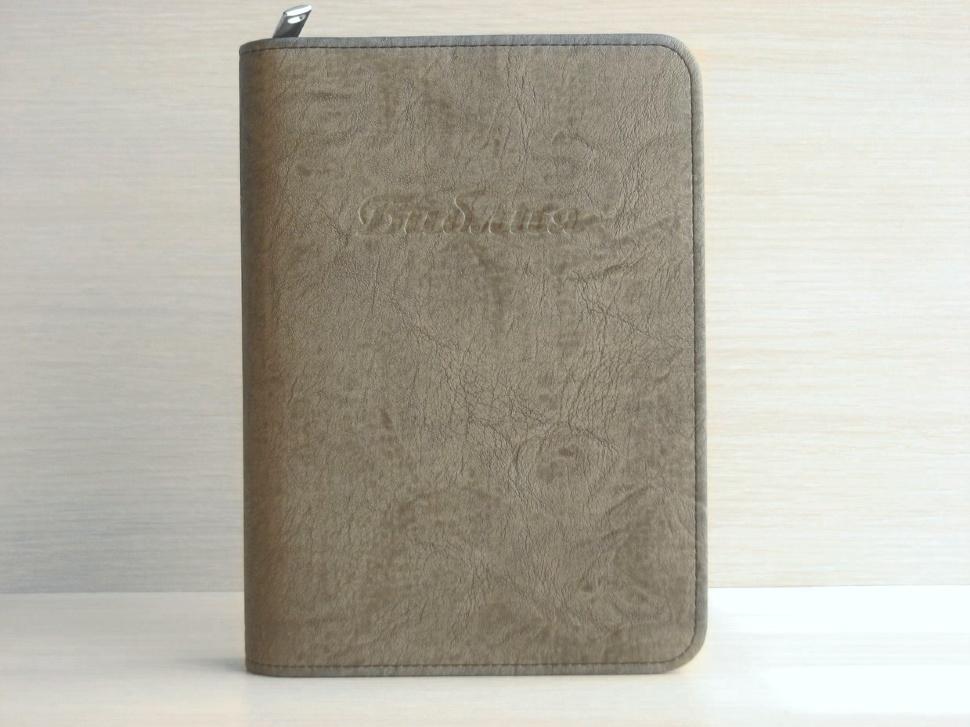 ЧЕХОЛ НА БИБЛИЮ. Серый цвет, кож. зам. полиуретан, пластик, молния /разные размеры/