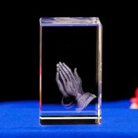 3D Кристалл с лазерной гравировкой: «РУКИ МОЛЯЩЕГОСЯ»